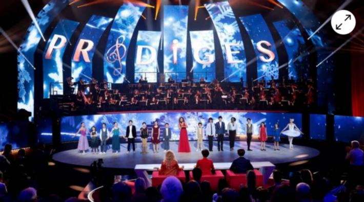 参考消息网: 15岁华裔钢琴神童走红法国 音乐学业两不误