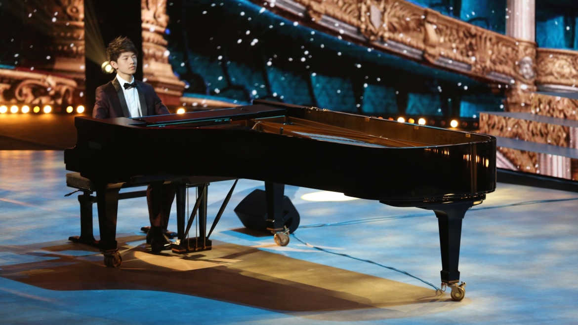 "PARIS MATCH:Paul, pianiste virtuose de 15 ans, remporte ""Prodiges"""