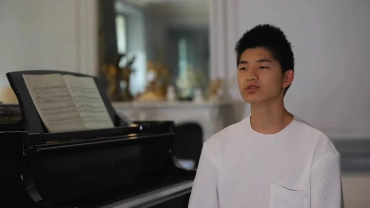 CCTV4: 点赞!当代华人少年  一位旅法华人少年的音乐梦